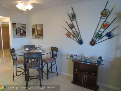 Deerfield Beach Condo/Townhouse For Sale: 381 Tilford R #381