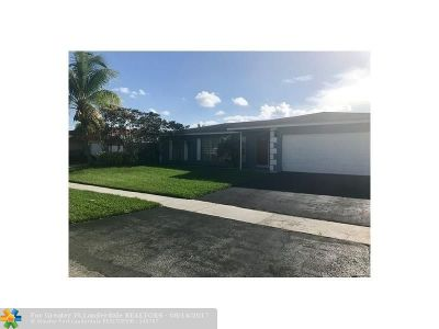 Tamarac Single Family Home For Sale: 8103 NW 72nd Ave