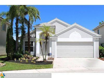 Tamarac Single Family Home For Sale: 5704 S Plum Bay Pkwy