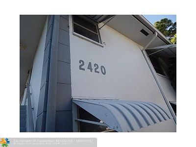 Delray Beach Condo/Townhouse For Sale: 2420 SW 22nd Ave #608