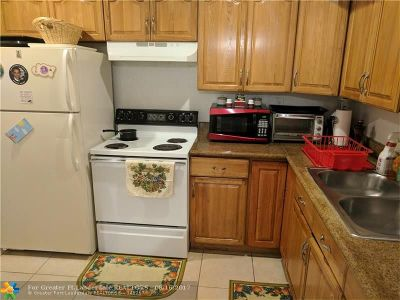 Lauderdale Lakes FL Condo/Townhouse For Sale: $70,000