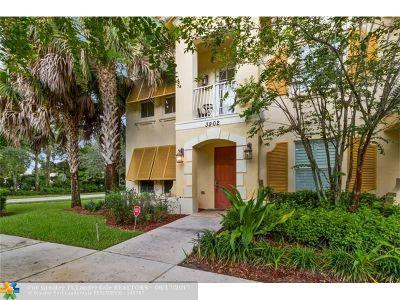 Coconut Creek Condo/Townhouse For Sale: 3902 Monarch Ln #3902