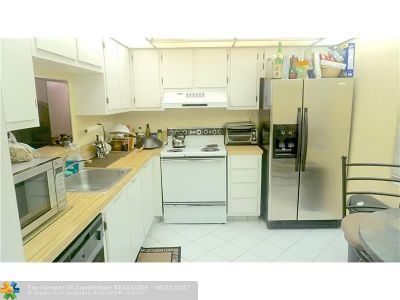 Tamarac Condo/Townhouse For Sale: 6451 N University Dr #216