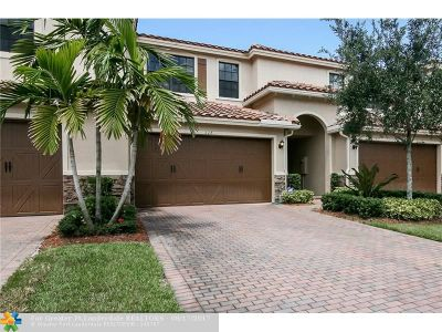 Plantation Condo/Townhouse For Sale: 117 Riverwalk Cir E. #117