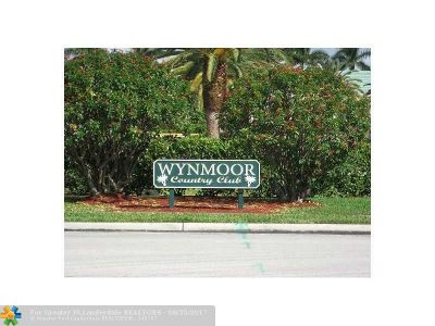 Coconut Creek Condo/Townhouse For Sale: 2202 Lucaya Bnd #L2