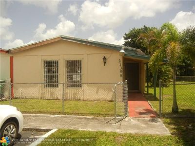 Miami Gardens Condo/Townhouse For Sale: 21398 NW 40th Circle Ct