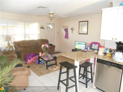Pompano Beach Single Family Home For Sale: 2941 NE 10th Ter