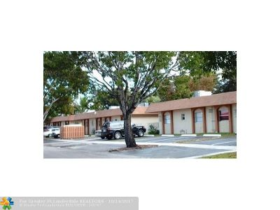 Lauderhill Condo/Townhouse For Sale: 5303 NW 23rd St #174