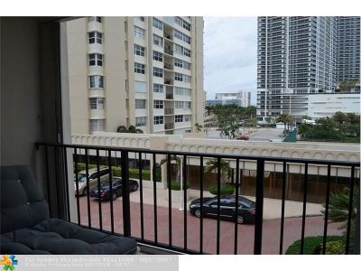 Hallandale Condo/Townhouse For Sale: 1904 S Ocean Dr #408