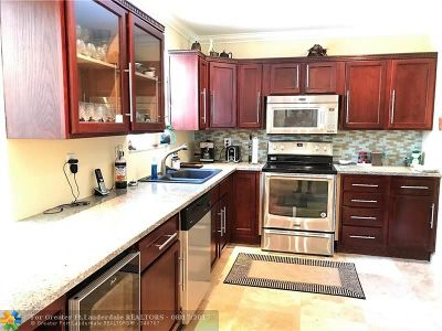 Deerfield Beach Single Family Home For Sale: 918 SE 17th St