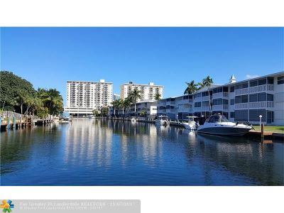 Hallandale Condo/Townhouse For Sale: 460 Paradise Isle Blvd #303