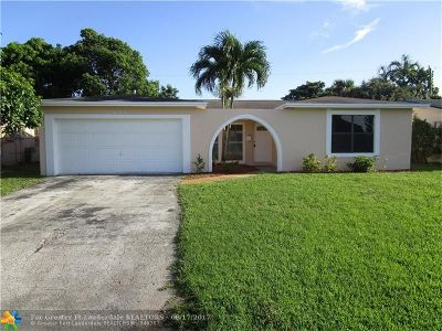 Miramar Single Family Home For Sale: 8655 Miramar Pkwy