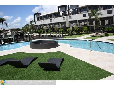Pompano Beach Condo/Townhouse For Sale: 450 SE 1 Circle #R5