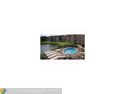 Lauderhill Condo/Townhouse For Sale: 7960 NW 50th St #108