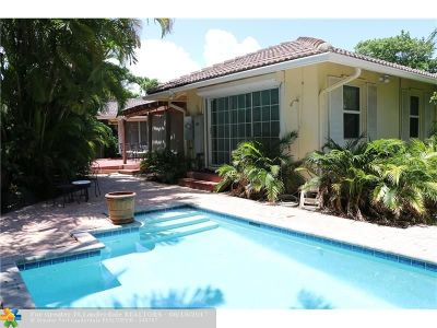 Pompano Beach Single Family Home For Sale: 2403 Bay Dr