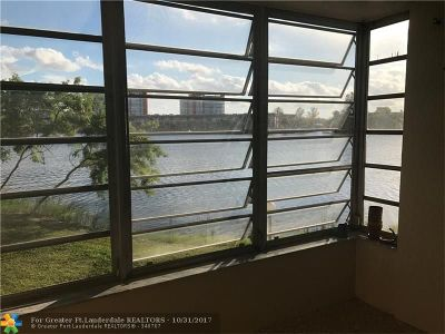 Miami Condo/Townhouse For Sale: 1530 NE 191st St #201