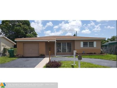 Lauderhill Single Family Home For Sale: 110 NW 33rd Ter