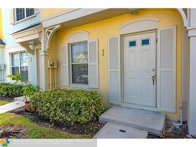 Weston Condo/Townhouse For Sale: 38 Truman Dr #38