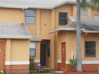Lauderhill Condo/Townhouse For Sale: 2551 NW 56th Ave #106