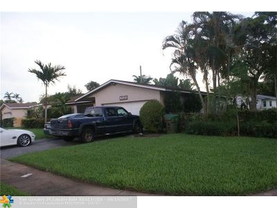 Lauderhill Single Family Home For Sale: 4850 NW 19th Ct