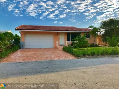 Pompano Beach Single Family Home For Sale: 2773 SE 14th St