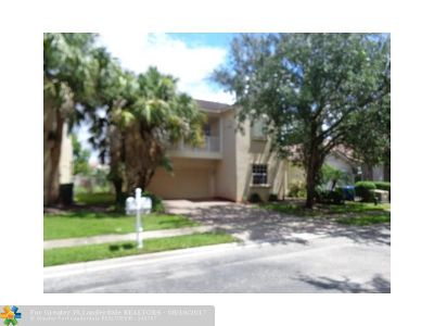 Pembroke Pines Single Family Home For Sale: 7537 NW 18th Dr