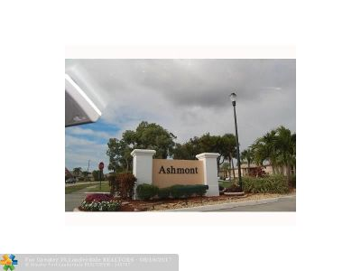 Tamarac Condo/Townhouse For Sale: 7344 Ashmont Cr #202