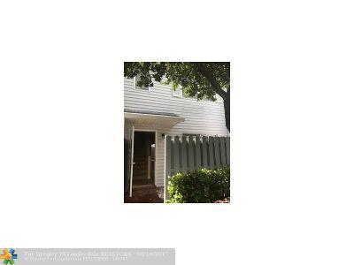 Pompano Beach Condo/Townhouse For Sale: 217 SW 3rd St #217