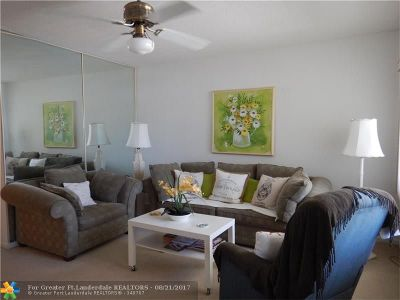 Fort Lauderdale Condo/Townhouse For Sale: 2142 NE 56th Ct #109