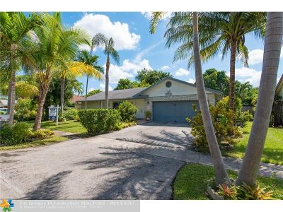 Lauderhill Single Family Home For Sale: 4530 NW 71st Ave