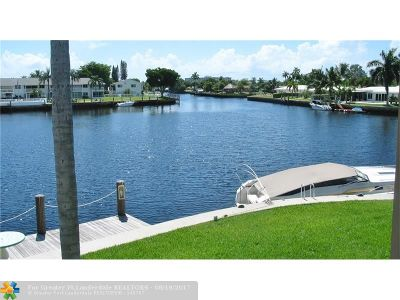Pompano Beach Condo/Townhouse For Sale: 298 SE 6th Ave #21