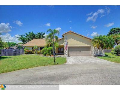 Tamarac Single Family Home For Sale: 7304 Corkwood Ter
