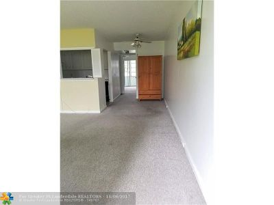 Deerfield Beach Condo/Townhouse For Sale: 127 Upminster F #127