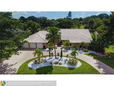 Tamarac Single Family Home For Sale: 7510 Banyan Way