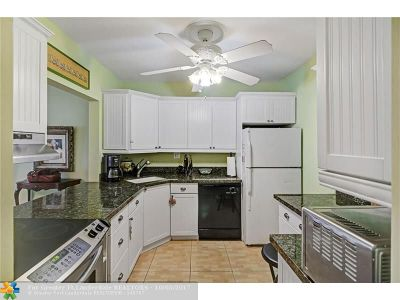 Fort Lauderdale Condo/Townhouse For Sale: 619 E Orton Ave #304