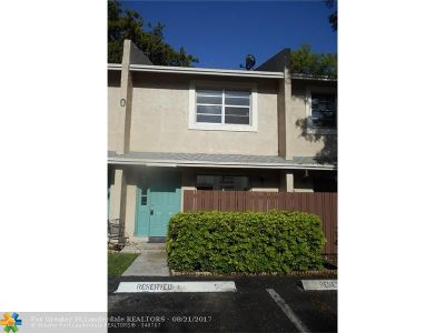 Coconut Creek Condo/Townhouse For Sale: 892 Banks Rd #892