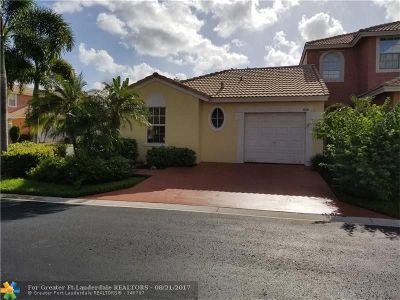 Coral Springs Condo/Townhouse For Sale: 5699 NW 120th Ter #5699