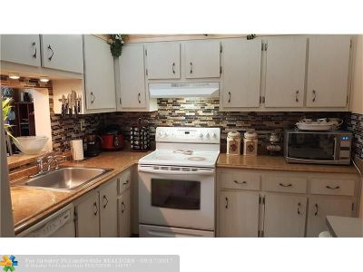 North Lauderdale Condo/Townhouse For Sale: 1800 SW 81st Ave #1102