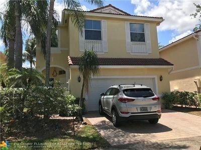Hollywood Single Family Home For Sale: 1120 Papaya St