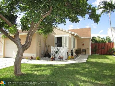Pembroke Pines Single Family Home For Sale: 10931 SW 10th St