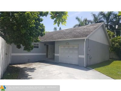 Pembroke Pines Single Family Home For Sale: 10230 NW 5th St