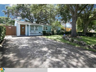Hollywood Single Family Home For Sale: 1111 N 71st Ter