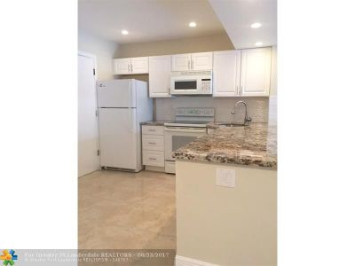 Lauderhill Condo/Townhouse For Sale: 4751 NW 21st St #105
