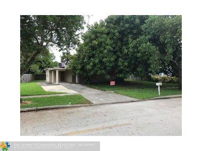 Margate Single Family Home For Sale: 1504 E River Dr
