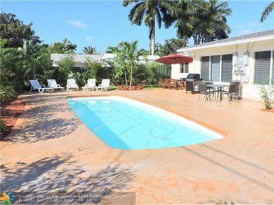 Dania Multi Family Home For Sale: 236 NE 1st St