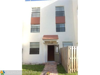 Lauderhill Condo/Townhouse For Sale: 1788 NW 55th Ave #3-202