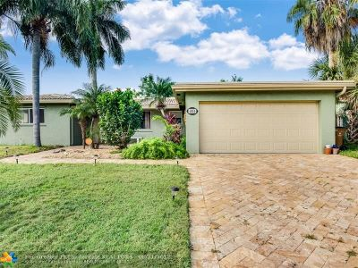 Deerfield Beach Single Family Home For Sale: 1014 SE 14th Ct