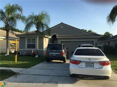 Tamarac Single Family Home For Sale: 9831 Red Heart Ln