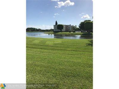 Boca Raton Condo/Townhouse For Sale: 1072 Cornwall D #1072