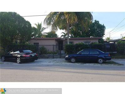 Miami Single Family Home For Sale: 45 NE 68th St